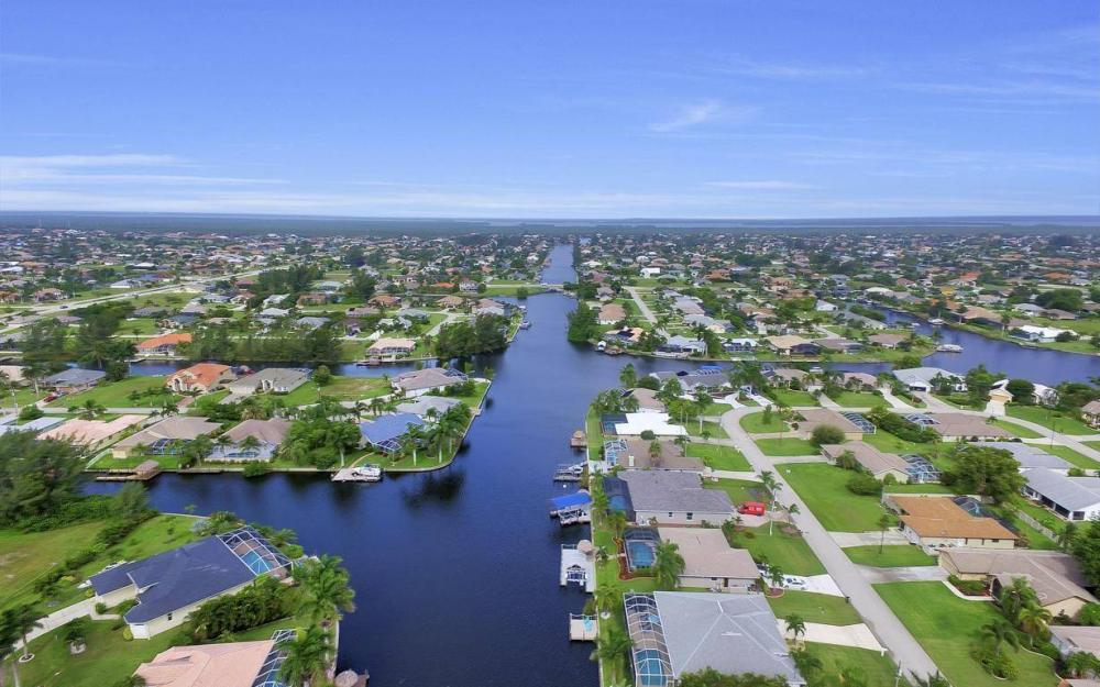 2124 SW 40th Ter, Cape Coral - Home For Sale 774934399