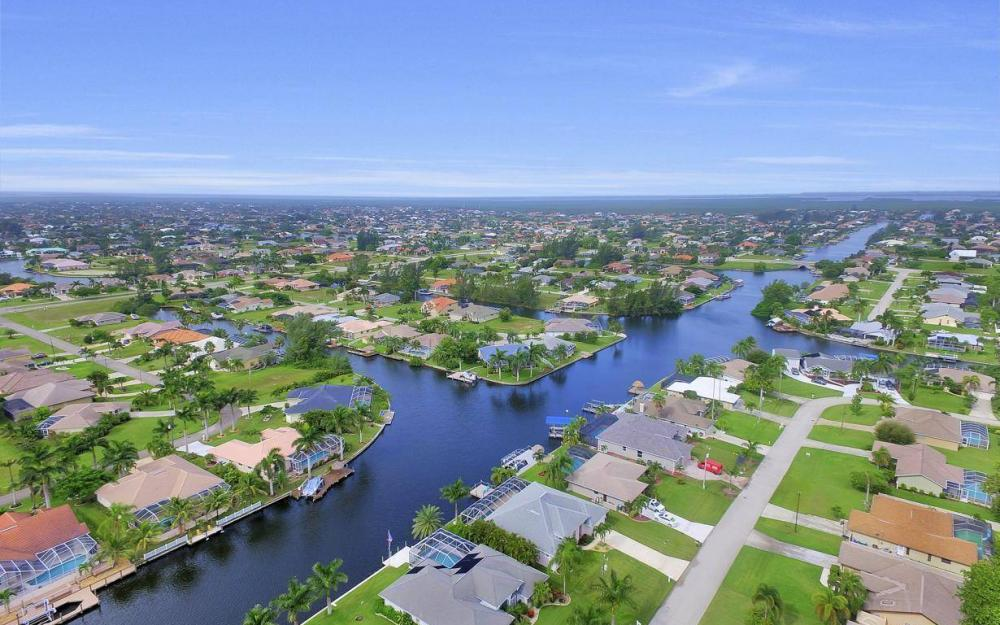 2124 SW 40th Ter, Cape Coral - Home For Sale 1440543256