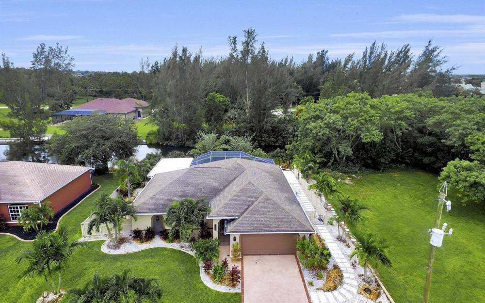 2322 SW 22nd Terrace, Cape Coral - Home For Sale 30342436