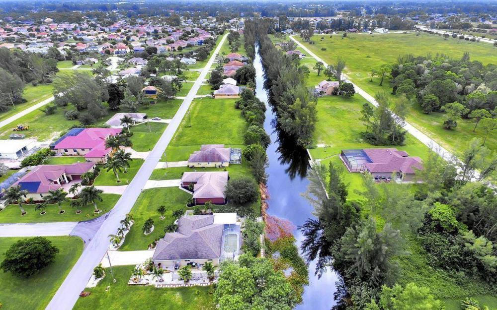 2322 SW 22nd Terrace, Cape Coral - Home For Sale 207651897
