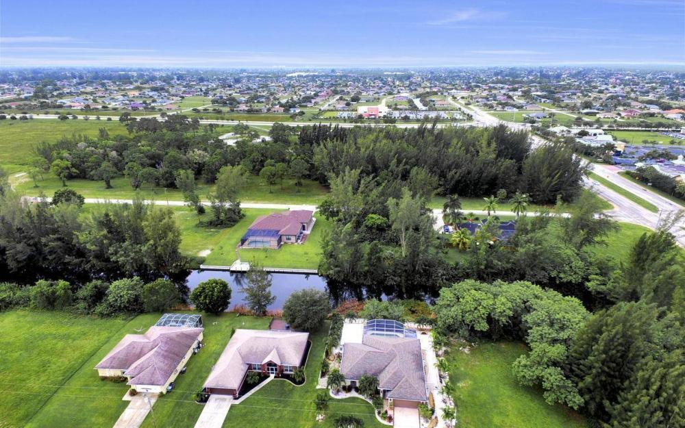 2322 SW 22nd Terrace, Cape Coral - Home For Sale 310453250