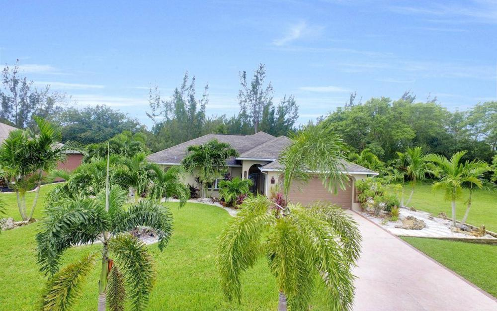 2322 SW 22nd Terrace, Cape Coral - Home For Sale 812942233