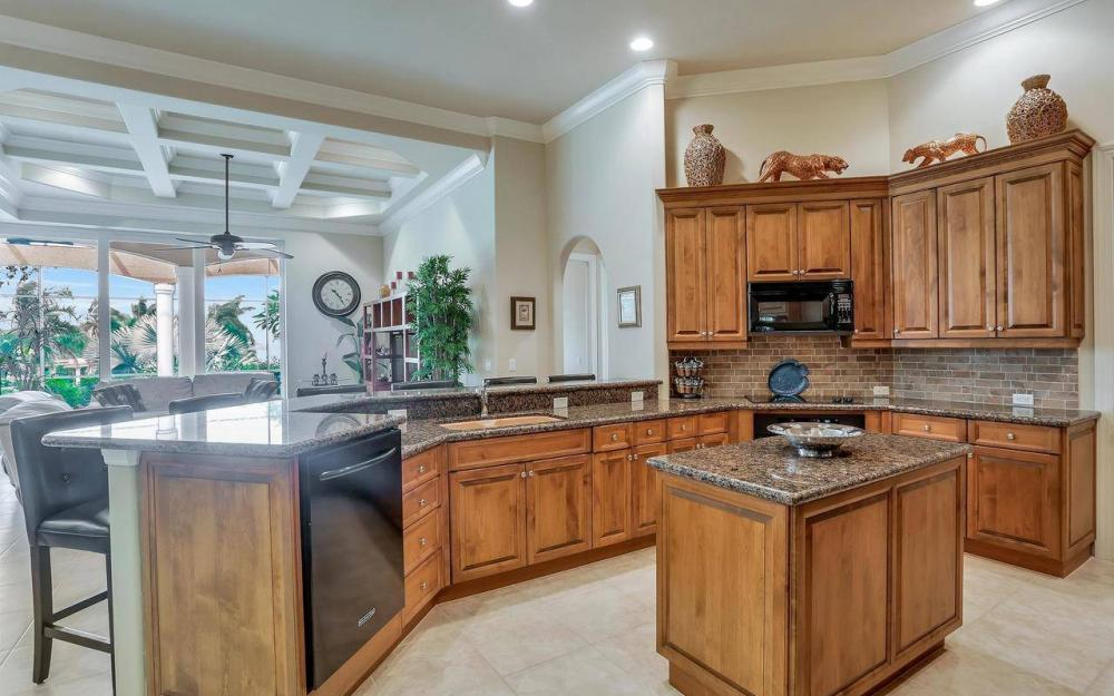 760 Inlet Dr, Marco Island - Home For Sale 779238804
