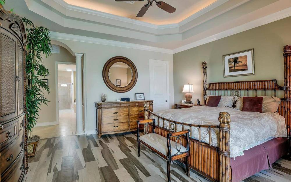 760 Inlet Dr, Marco Island - Home For Sale 68396437