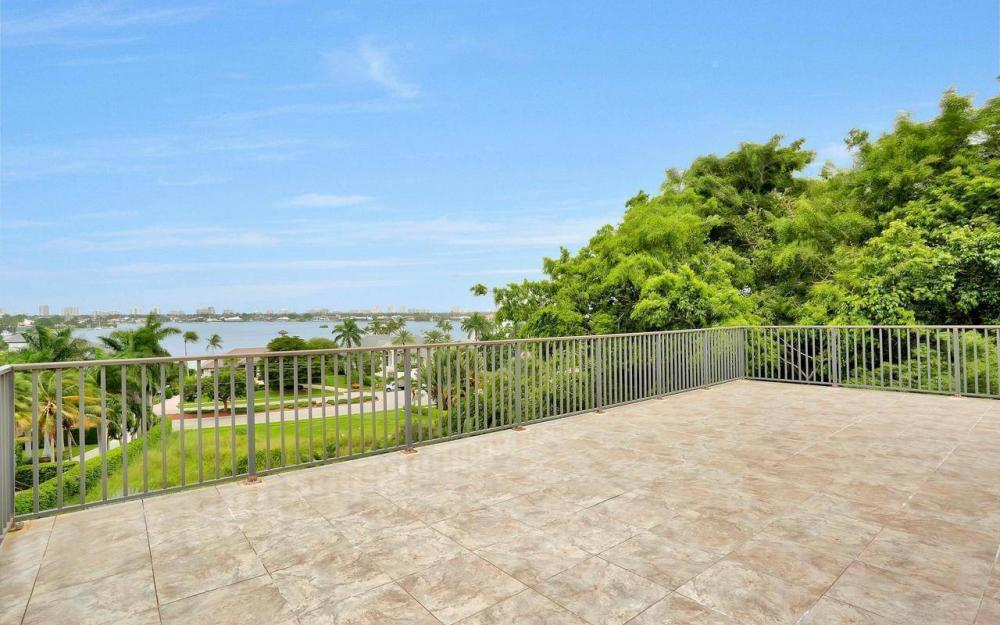 760 Inlet Dr, Marco Island - Home For Sale 868214976