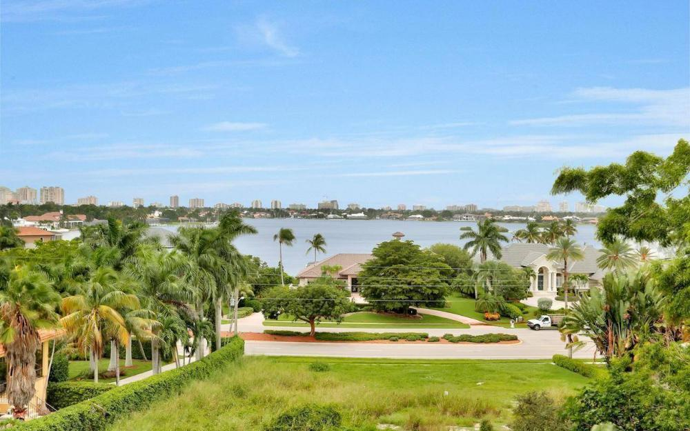 760 Inlet Dr, Marco Island - Home For Sale 202073313