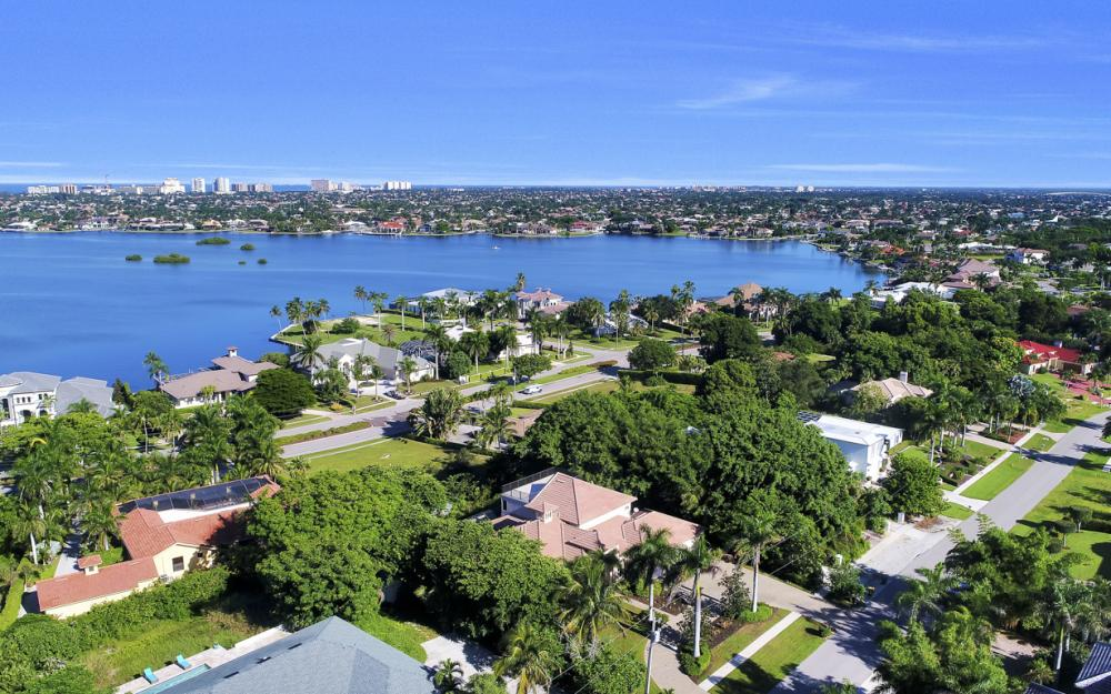 760 Inlet Dr, Marco Island - Home For Sale 761167215