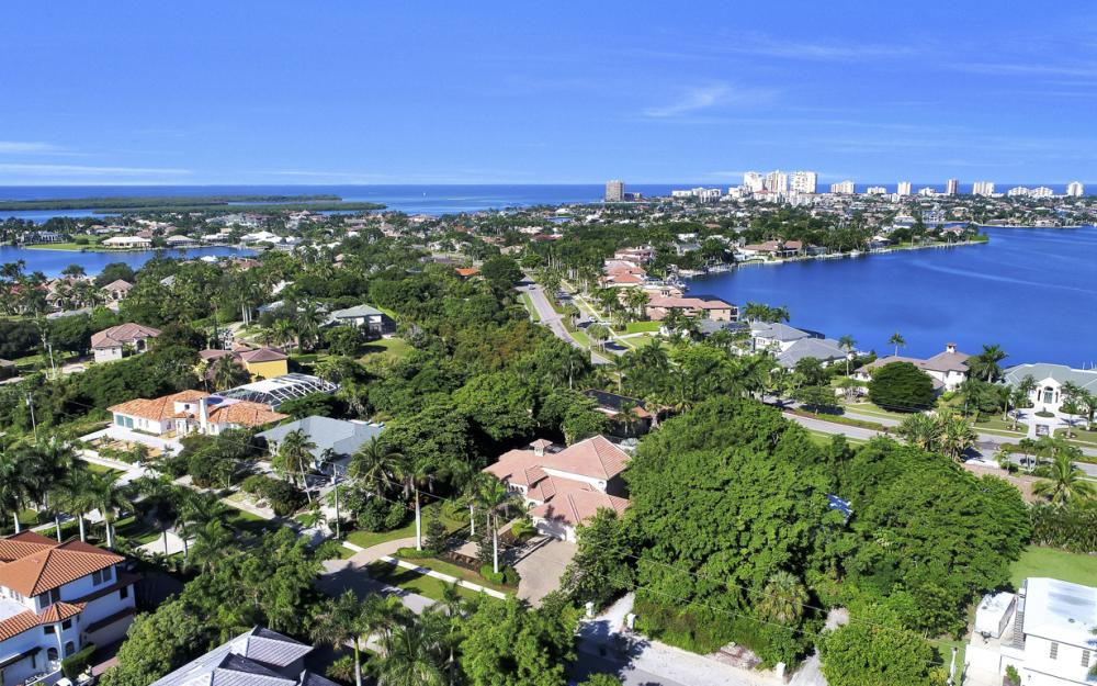 760 Inlet Dr, Marco Island - Home For Sale 728038286