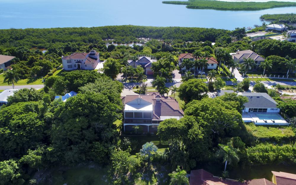 760 Inlet Dr, Marco Island - Home For Sale 741875377