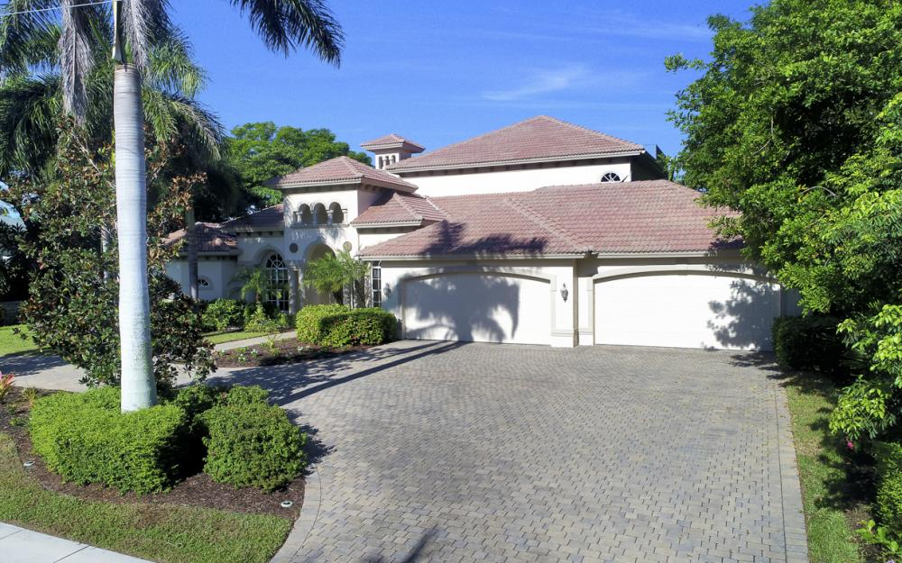 760 Inlet Dr, Marco Island - Home For Sale 269025602