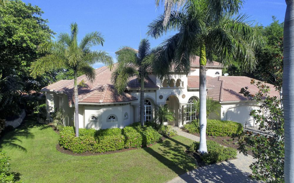 760 Inlet Dr, Marco Island - Home For Sale 293737899
