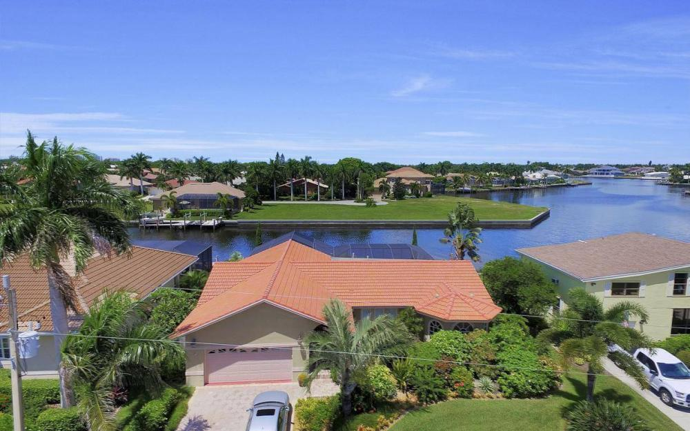 168 Shorecrest Ct, Marco Island - Home For Sale 1349023063