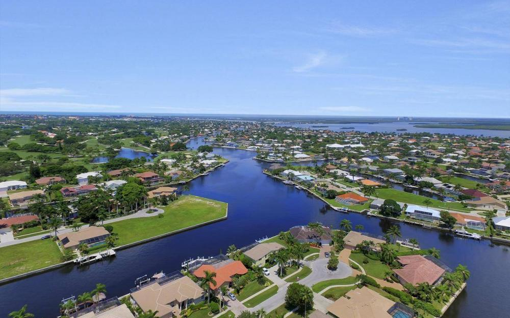 168 Shorecrest Ct, Marco Island - Home For Sale 834568550