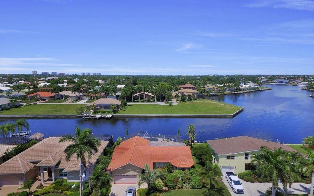 168 Shorecrest Ct, Marco Island - Home For Sale 1032317443
