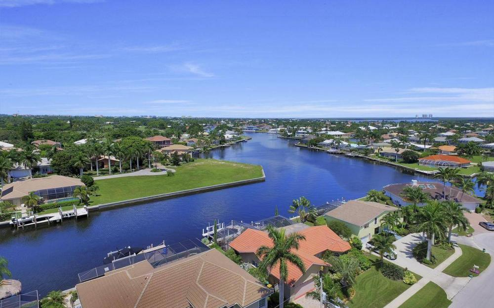 168 Shorecrest Ct, Marco Island - Home For Sale 155997070