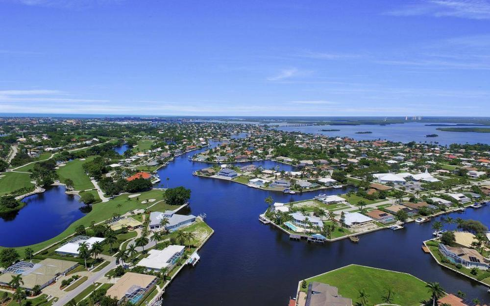 168 Shorecrest Ct, Marco Island - Home For Sale 1807069517