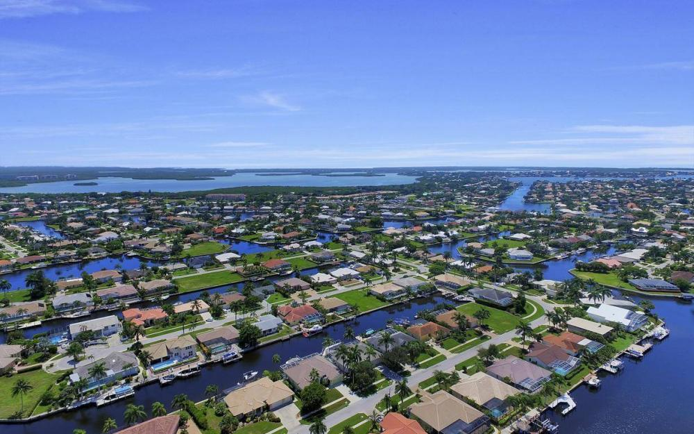 168 Shorecrest Ct, Marco Island - Home For Sale 39962338