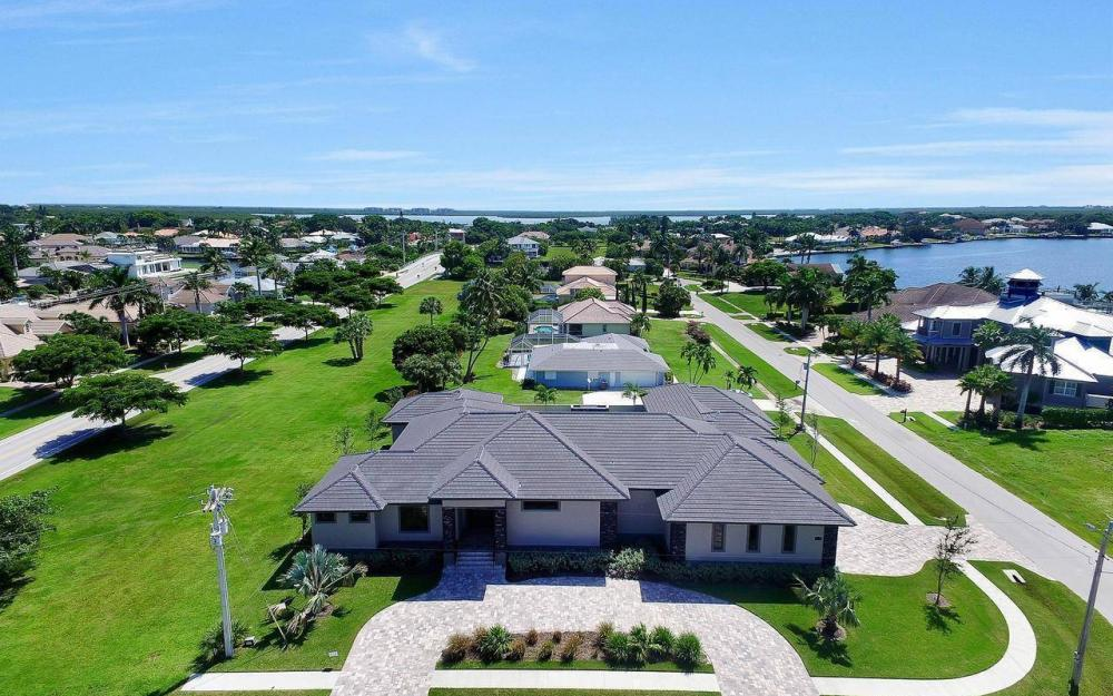 1600 Collingswood Ct, Marco Island - Home For Sale 792016313