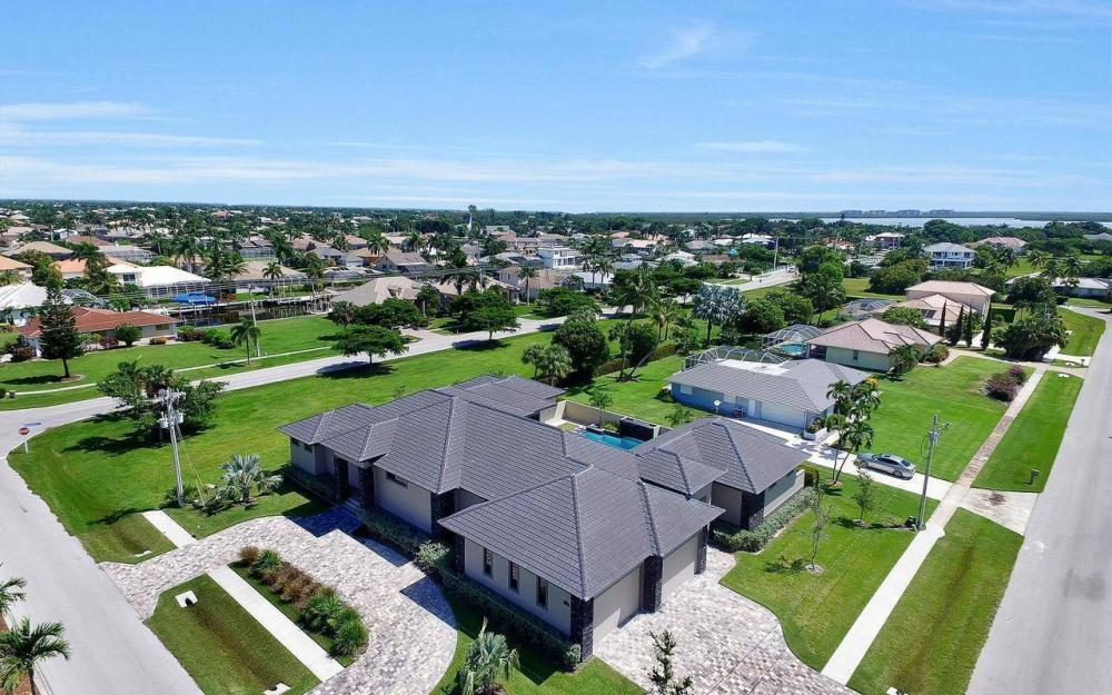 1600 Collingswood Ct, Marco Island - Home For Sale 2057933348