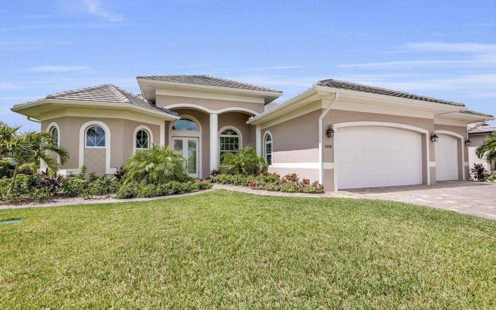 3318 SW 2nd Ln, Cape Coral - Home For Sale 2059394879