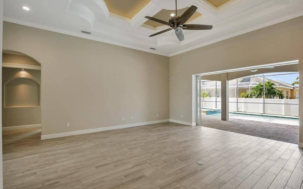 3318 SW 2nd Ln, Cape Coral - Home For Sale 18249634