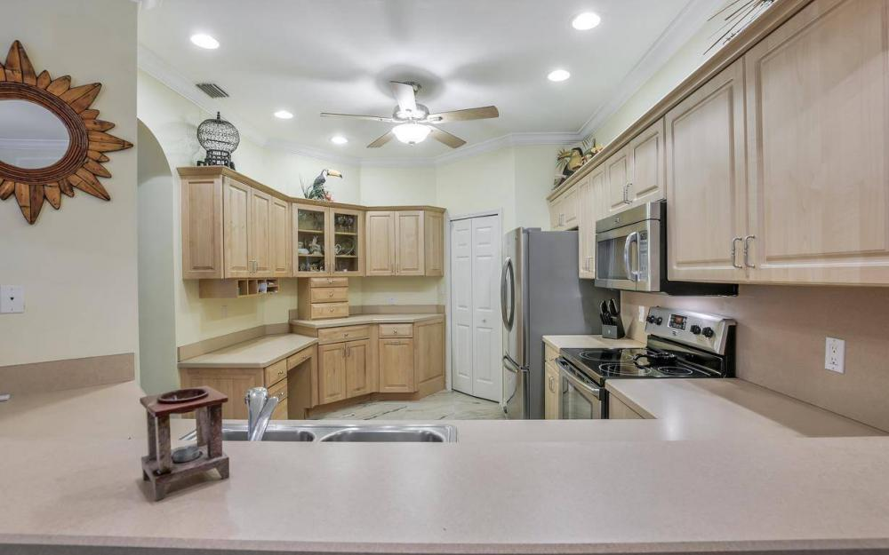 14677 Sutherland Ave - Home For Sale 12114587