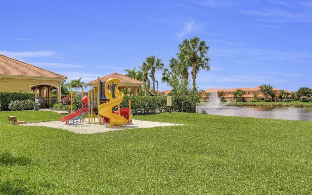 14677 Sutherland Ave - Home For Sale 567602340