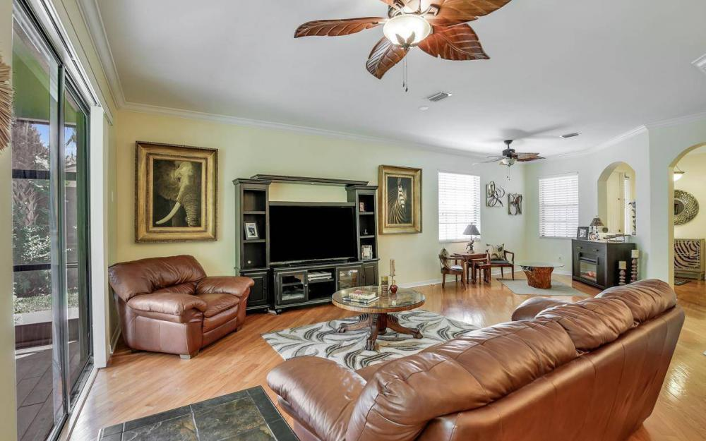 14677 Sutherland Ave - Home For Sale 2089130423