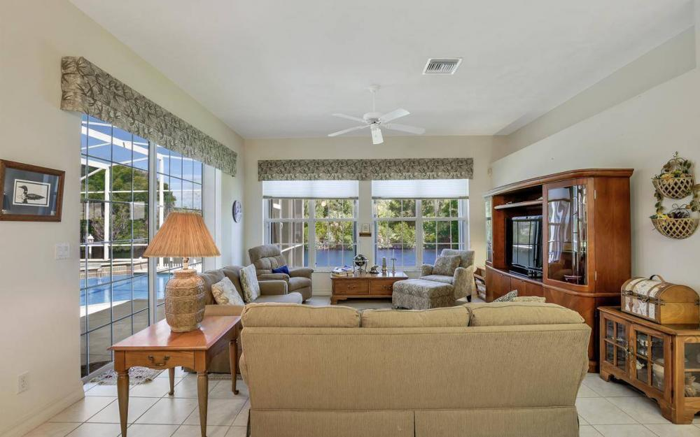 3239 Ceitus Pkwy, Cape Coral - Home For Sale 1069961650