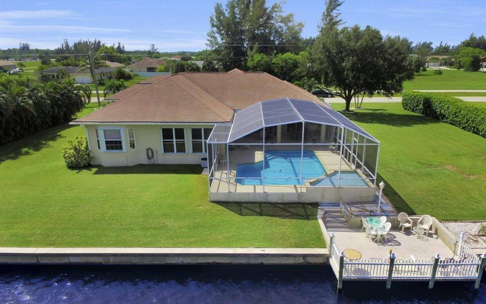 3239 Ceitus Pkwy, Cape Coral - Home For Sale 1932147116