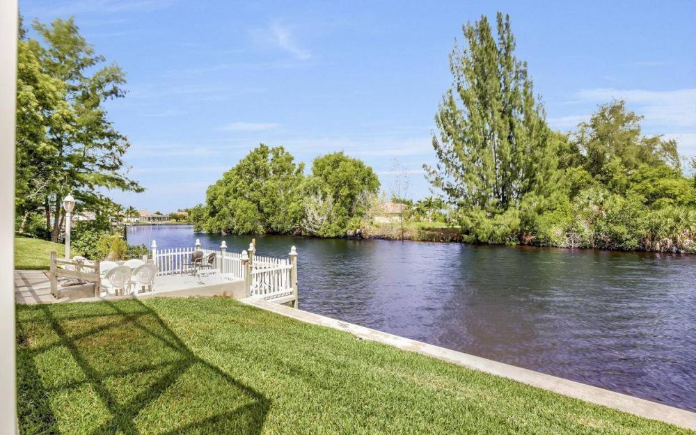 3239 Ceitus Pkwy, Cape Coral - Home For Sale 328038947