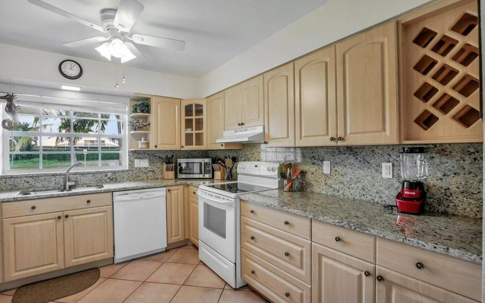 220 W Flamingo Cir, Marco Island - Home For Sale 398576433