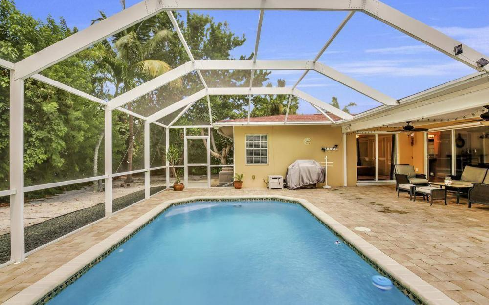 220 W Flamingo Cir, Marco Island - Home For Sale 233475828