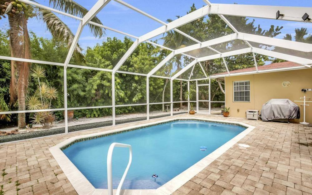 220 W Flamingo Cir, Marco Island - Home For Sale 303248165