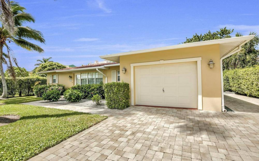 220 W Flamingo Cir, Marco Island - Home For Sale 2118605401