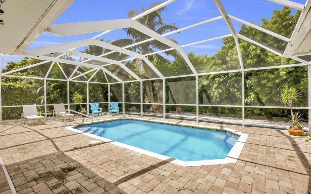 220 W Flamingo Cir, Marco Island - Home For Sale 328209408