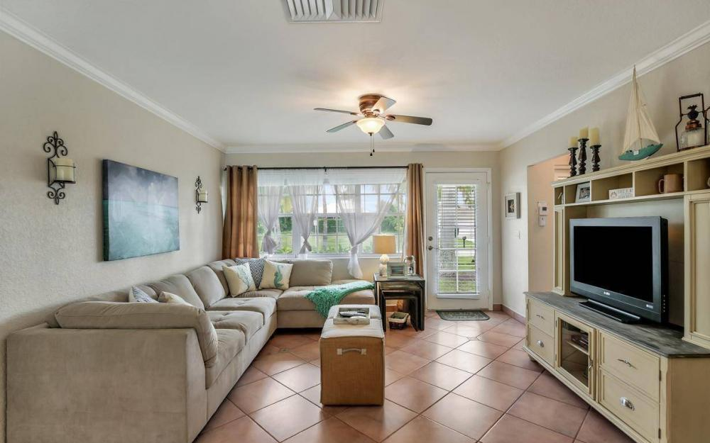 220 W Flamingo Cir, Marco Island - Home For Sale 797613770