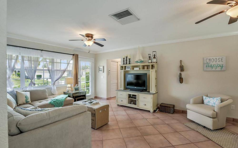 220 W Flamingo Cir, Marco Island - Home For Sale 204440817