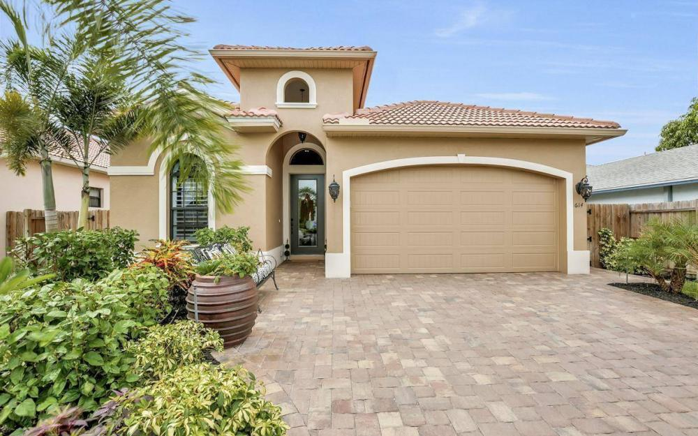 614 103rd Ave N, Naples - Home For Sale 183787618