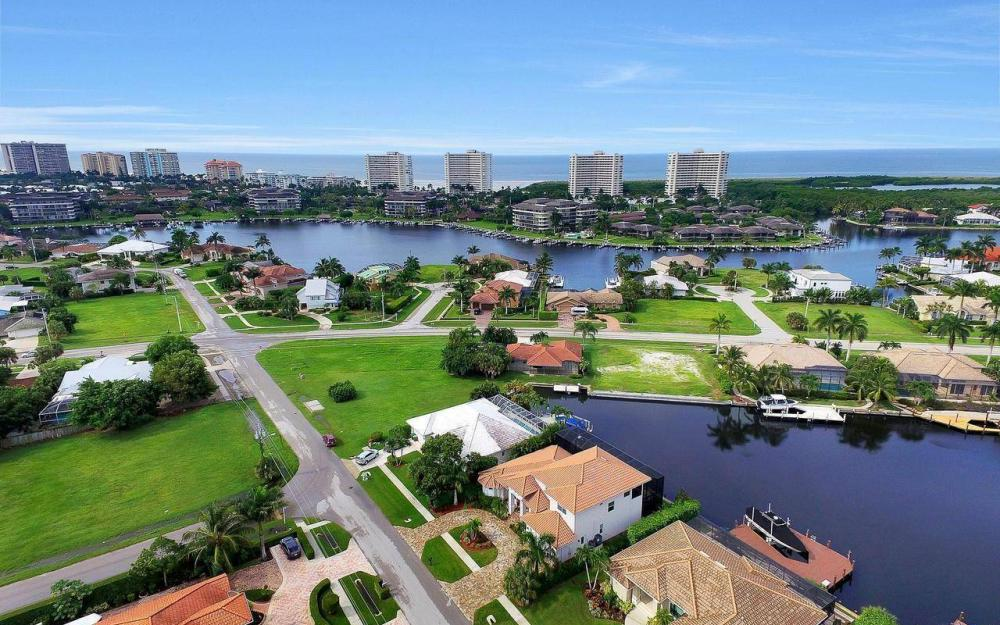 460 Century Dr, Marco Island - Home For Sale 1162613055