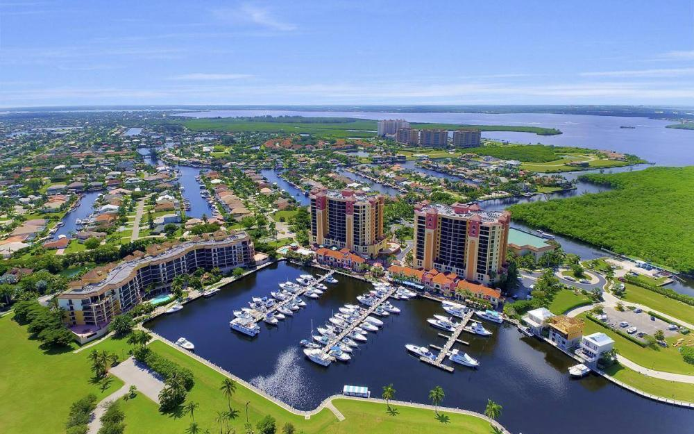 5781 Cape Harbour Dr #702, Cape Coral - Condo For Sale 783808301