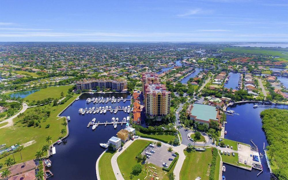5781 Cape Harbour Dr #702, Cape Coral - Condo For Sale 170099315