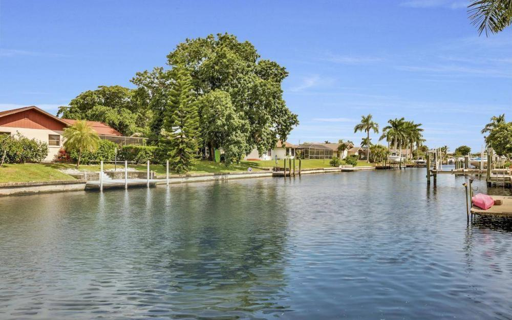 5213 SW 11th Ave, Cape Coral - Home For Sale 251844686