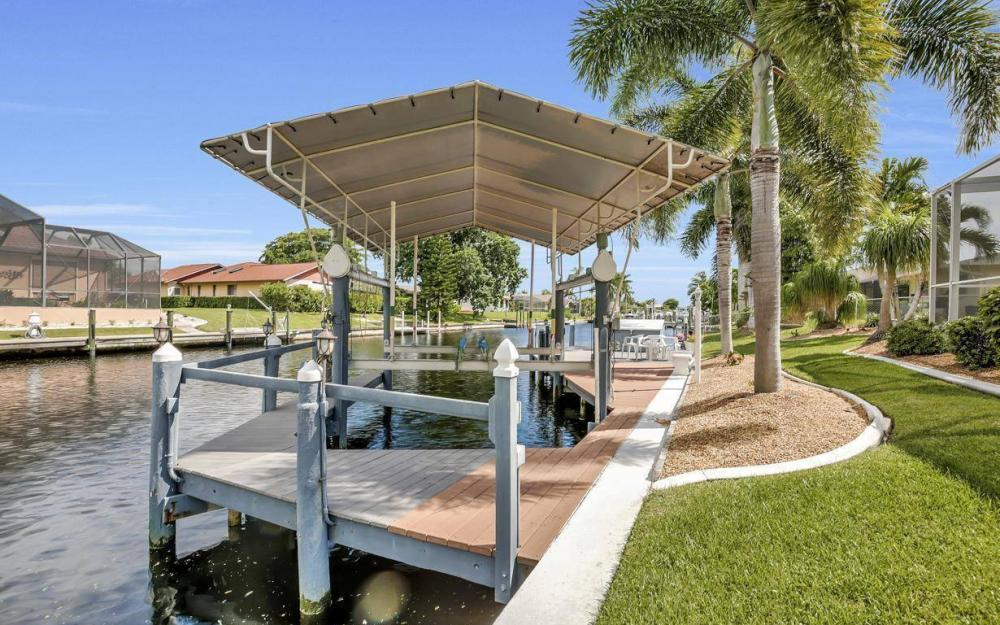 5213 SW 11th Ave, Cape Coral - Home For Sale 1816111341