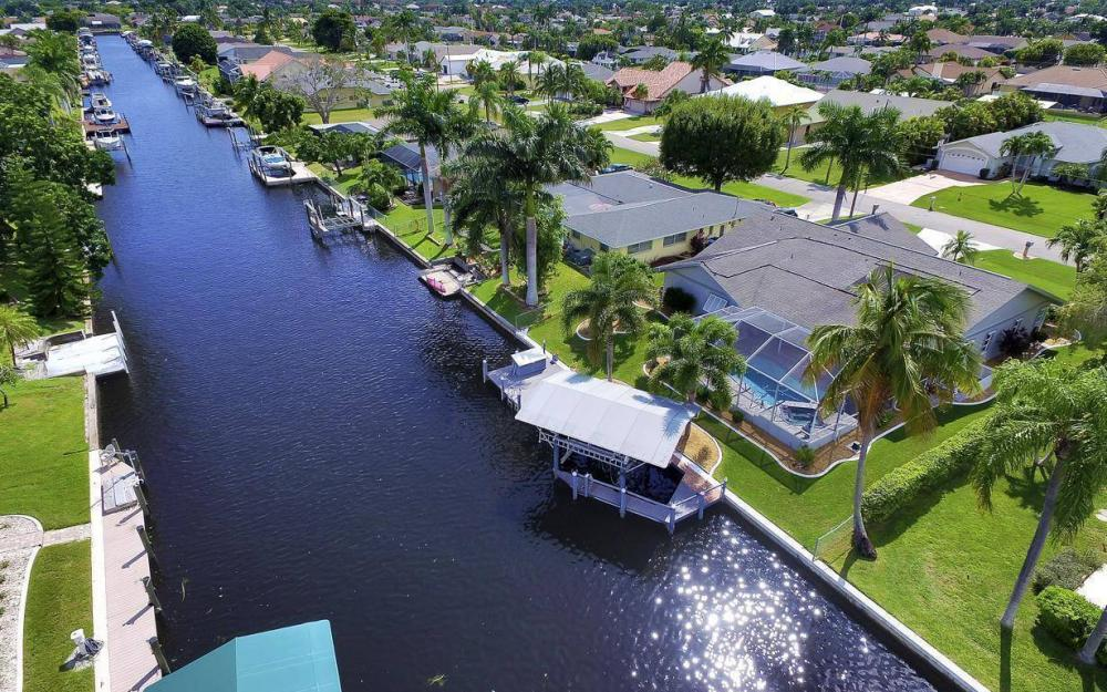 5213 SW 11th Ave, Cape Coral - Home For Sale 1108494273