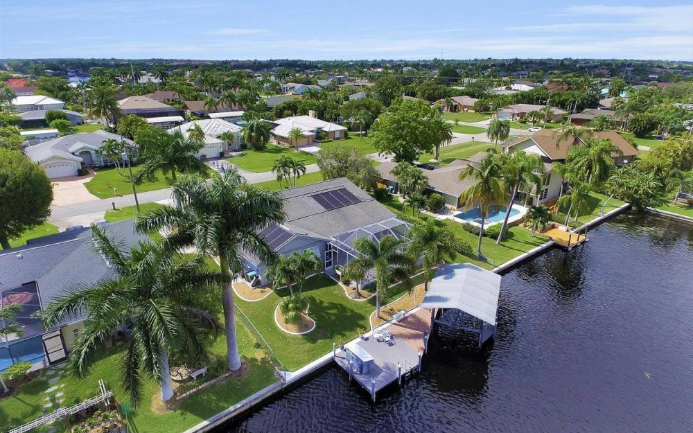 5213 SW 11th Ave, Cape Coral - Home For Sale 1180103841