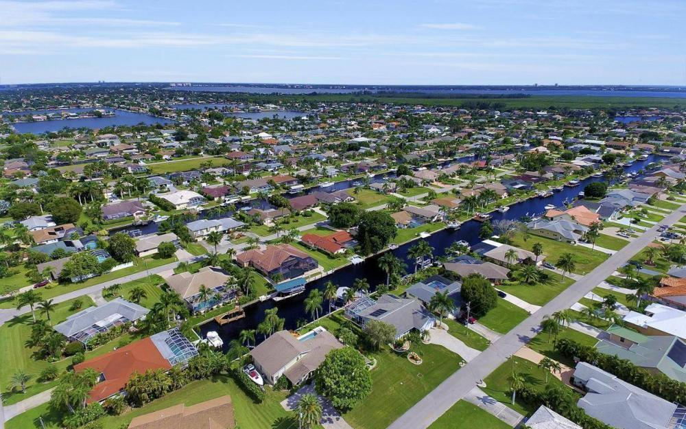 5213 SW 11th Ave, Cape Coral - Home For Sale 1118581978