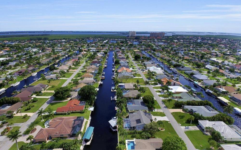 5213 SW 11th Ave, Cape Coral - Home For Sale 272294666