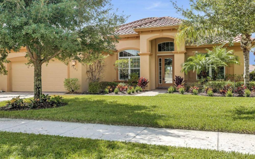 9689 Cobalt Cove, Naples - Home For Sale 2009004706