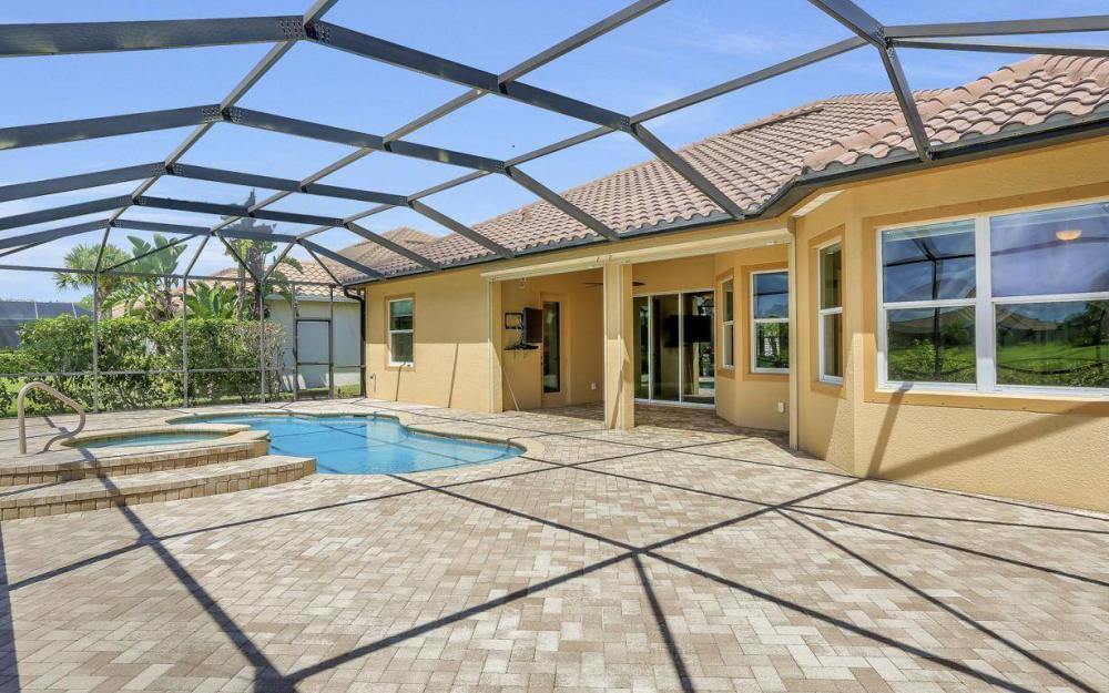 9689 Cobalt Cove, Naples - Home For Sale 37508806